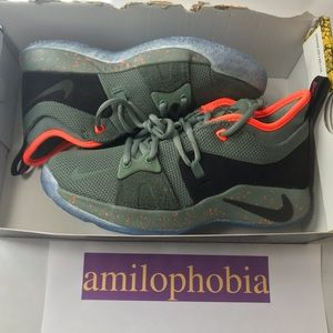 New Youth Nike PG2 Palmdale (GS) Size 5.5Y